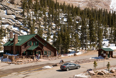 The Glen Cove Inn on the Pikes Peak Highway